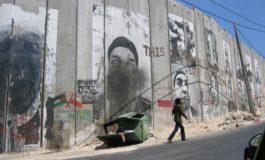 A PROPOSITO DI ACCOGLIENZA: PER IL MURO ERETTO DAGLI EBREI NESSUNO DICE NIENTE E SI SPENGONO I RIFLETTORI SULLA FEROCIA DI ISRAELE CONTRO I PALESTINESI
