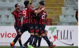 Casertana, colpaccio a Siracusa: sfiderà l'Alessandria nel secondo turno playoff