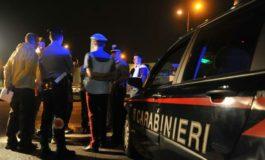 Festa all'aperto di notte non autorizzata e troppo rumorosa: intervengono i carabinieri