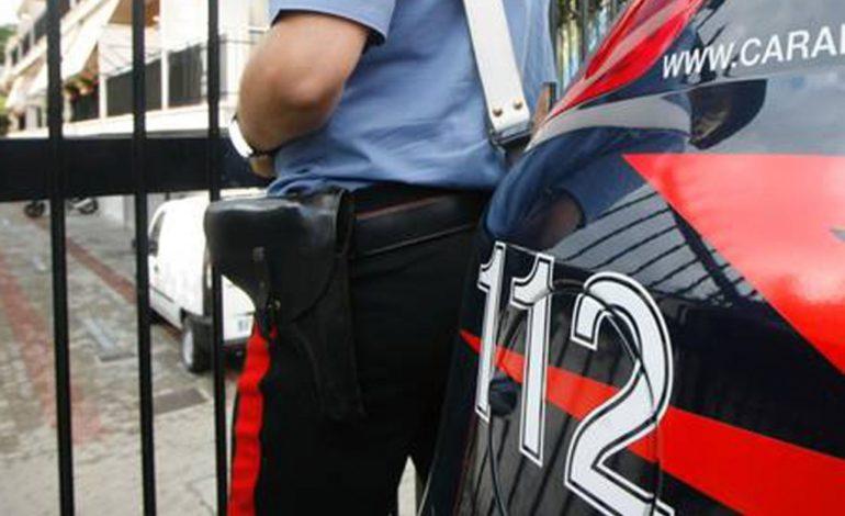 Arrestato dai carabinieri impiegato della motorizzazione civile che prendeva stecche per sveltire le pratiche