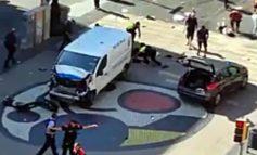 Barcellona: Terrore su Rambla, morti e feriti