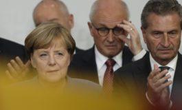 Elezioni tedesche: Merkel vince ma perde voti, la destra sempre più forte