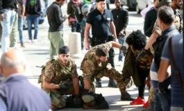 Milano: africano sfascia finestrini delle auto davanti alla Stazione Centrale