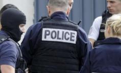 """Francia: prende a martellate due donne e grida """"Allah Akhbar"""""""
