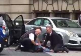 Auto lanciata contro pedoni nel centro di Londra: molti i feriti