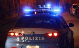 Dopo un rocambolesco inseguimento in auto i poliziotti hanno arrestato tre pregiudicati