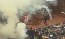 Gas lacrimogeni in Parlamento