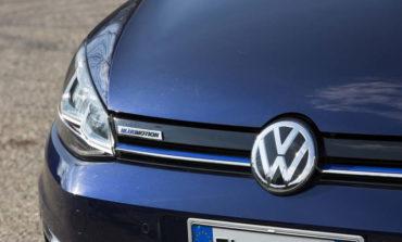 Volkswagen a metano, un successo travolgente: boom di domanda, vendite sospese