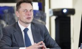 Dopo il fallimento dei robot Elon Musk tornerà a far produrre le Tesla agli operai?