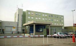 Ancora violenza nel carcere di San Michele dove un detenuto extracomunitario ha mandato all'ospedale un agente di custodia