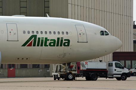 Alitalia, +7,6% di ricavi da traffico passeggeri a maggio