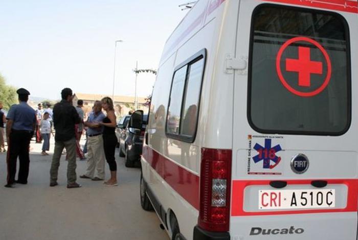 Frontale auto contro camion: morto l'automobilista