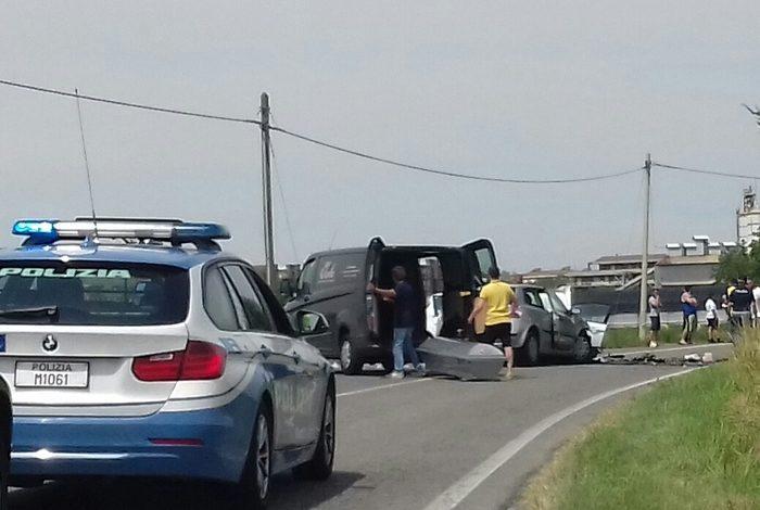 Scontro frontale a Casalcermelli: muore uomo di 63 anni