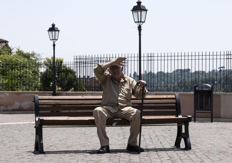 Inps, 400.000 pensioni pagate da oltre 38 anni
