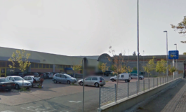 A volto coperto e armato di coltello tenta una rapina al supermercato Eurospin