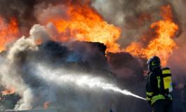 Misterioso incendio nel reparto plastica dell'Aral di Castelceriolo