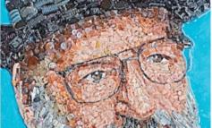 Mosaico di Eco nella vetrina di Informagiovani
