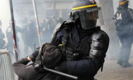 La polizia francese ha un problema con la violenza