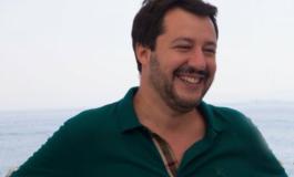 """Un miliardo per """"aiutarli a casa loro"""": il piano di Salvini per l'Africa"""