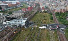 A causa del crollo di ieri disagi anche per chi viaggia in treno