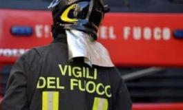 Auto a Gpl prende fuoco, anziano automobilista si salva per miracolo