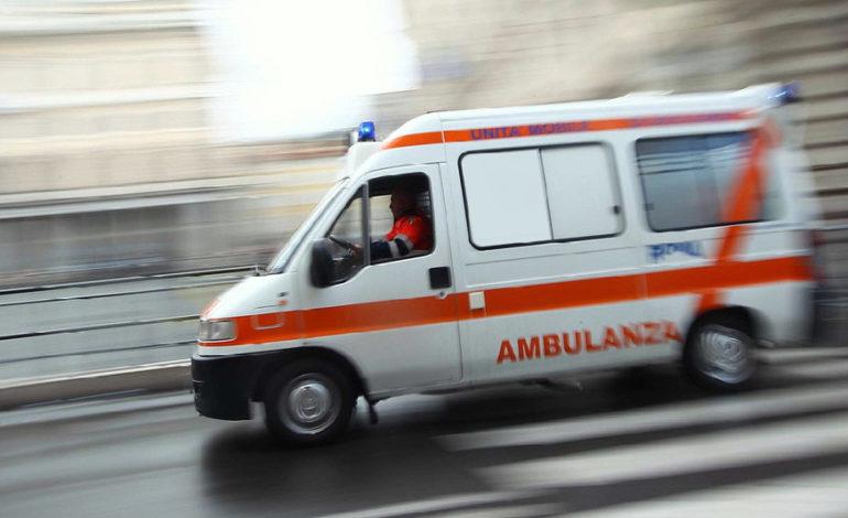 Moldavo muore sul colpo per uno scontro frontale tra la sua Nissan e un camion