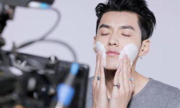 Gli uomini si truccano quanto le donne, boom del makeup maschile in Cina