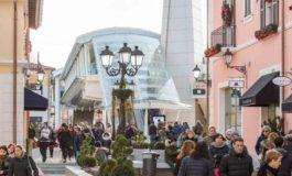 "Arrestati due rumeni ""ladri all'ingrosso"" di vestiti"