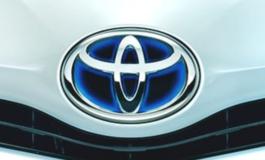 Toyota, richiamo per 2,43 milioni di vetture ibride