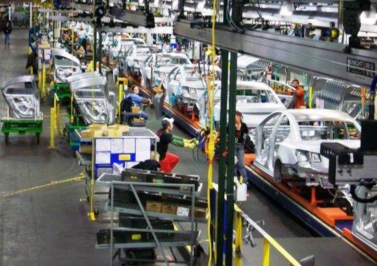 GM, arriva la trasformazione: tagli a produzione e lavoratori