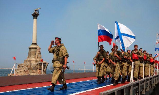 In Ucraina la legge marziale nel timore di un'invasione russa