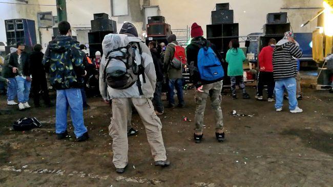 Tra i partecipanti al rave party una decina di giovani con precedenti di polizia