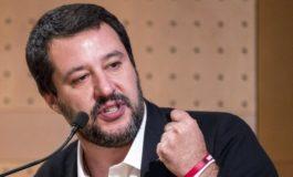 """Migranti, Salvini vs Europa: """"Bloccheremo attività Ue se presi in giro"""""""