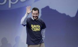 Salvini mussoliniano: se all'Ue non piace la Manovra noi tireremo diritto