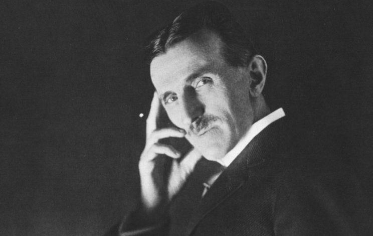 Nicola Tesla: un bluff americano, l'empirico serbo-croato pigliatutto che si faceva chiamare dottore senza esserlo