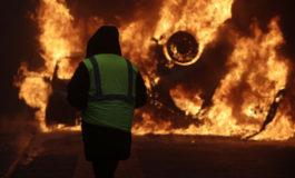 """I nuovi scontri tra la polizia e i """"gilet gialli"""""""