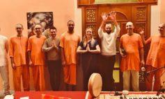 Monaci Hare Krishna per le strade di Alessandria