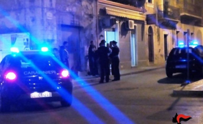 Marocchino ubriaco aggredisce i carabinieri con un cutter e finisce ai domiciliari