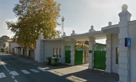 Due pattuglie dei Carabinieri e due della Polizia per una donna investita sulle strisce pedonali