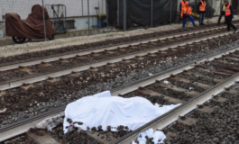 Nigeriano di 24 anni attraversa i binari mentre arriva un treno ed è travolto morendo sul colpo