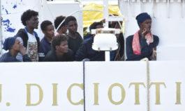 I migranti della nave Diciotti hanno chiesto un risarcimento al governo italiano