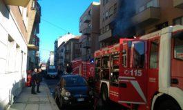 Muore carbonizzata nel suo appartamento in fiamme pensionata di 88 anni