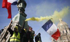 Ancora scontri in tutta la Francia, a Parigi evacuata Invalides