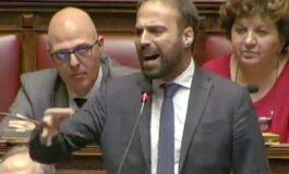 L'onorevole Marattin del Pd aggredisce in Aula l'onorevole Zolezzi del Movimento 5 Stelle