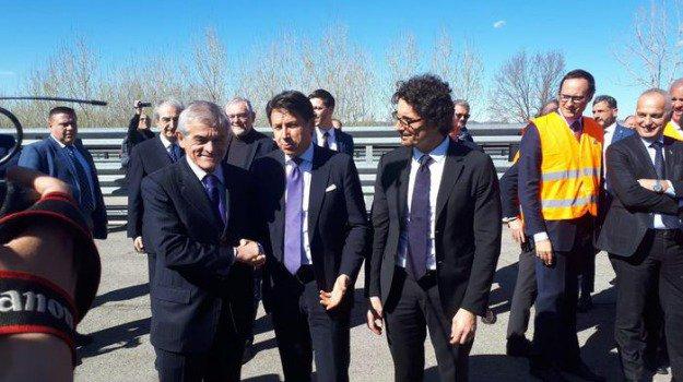 """Conte e Toninelli: """"Entro l'estate riprenderà il cantiere sulla Asti-Cuneo"""""""