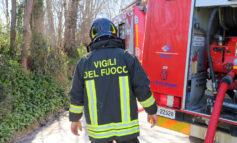 Vasto incendio di sterpaglie nel Monferrato casalese: sul posto quattro squadre di Vigili del Fuoco che hanno lavorato oltre quattro ore per domarlo