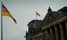 Vicepresidente del Parlamento tedesco chiede di espellere l'ambasciatore USA