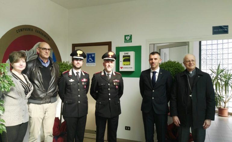 Il Rotary Club dona un defibrillatore alla Compagnia Carabinieri di Acqui