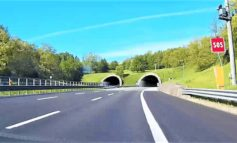 Tir si ribalta sulla A26 all'altezza di San Salvatore Monferrato: ferito il conducente