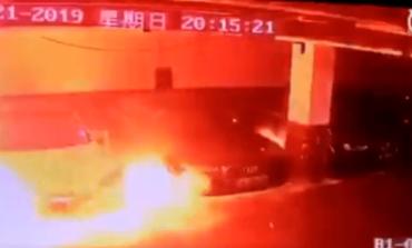 Una Tesla prende fuoco da sola e brucia in un garage alla vigilia dell'incontro con gli investitori